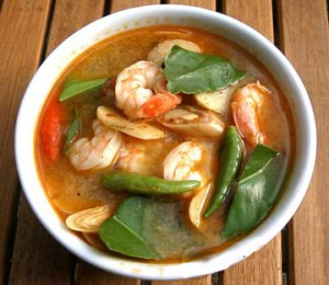 Vietnamese tom yum soup 03