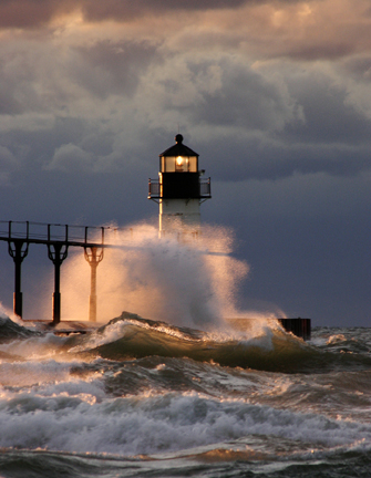lighthouse in storm2-72