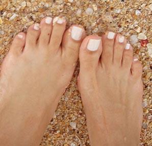 toenails pink